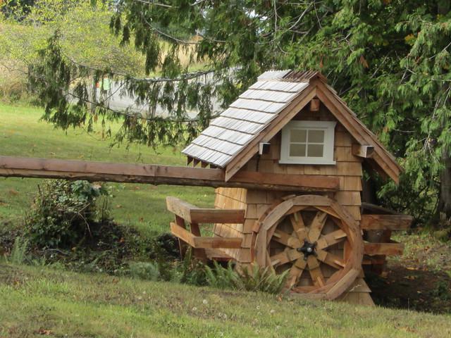 Водяная мельница из дерева под старину