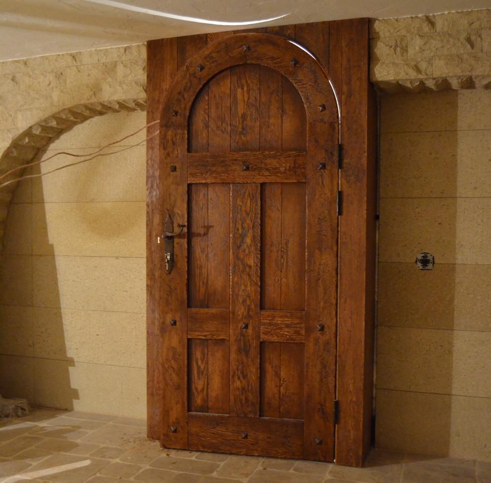 Дверь под старину